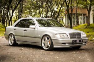 Mercedes (W202)
